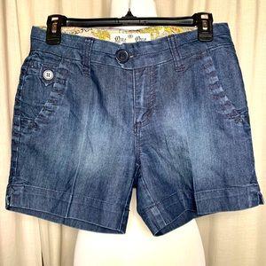 One 5 One Dark Wash Denim Shorts Size 4